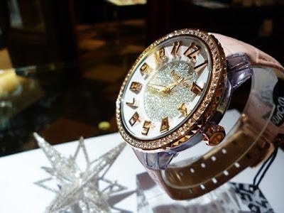 ウォッチ 腕時計 TENDENCE テンデンス  12月号 VERY ベリー 優木まおみ クリスマス スワロフスキー プレゼント ブランド ファッション セレクト 輝く アクセント