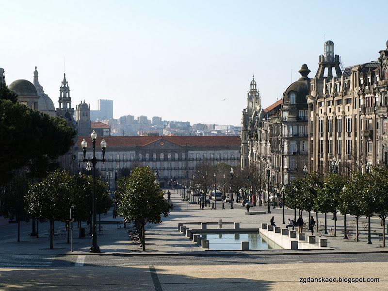 Porto - Praça General Humberto i Praça da Liberdade