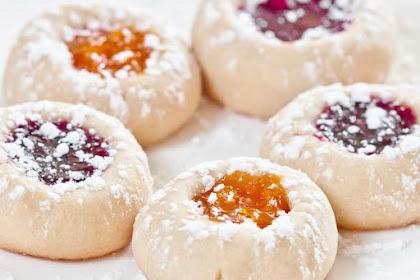 BUTTERY JAM THUMBPRINT COOKIES #thebestrecipe #dessert