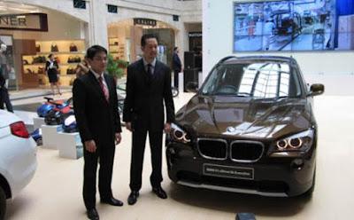 Foto ilustrasi BMW X1 sDrive18i Executive. Foto : TribunNews.. http://www.tribunnews.com/otomotif/2015/12/10/bmw-x1-dikorting-dari-rp-715-juta-jadi-rp-599-juta