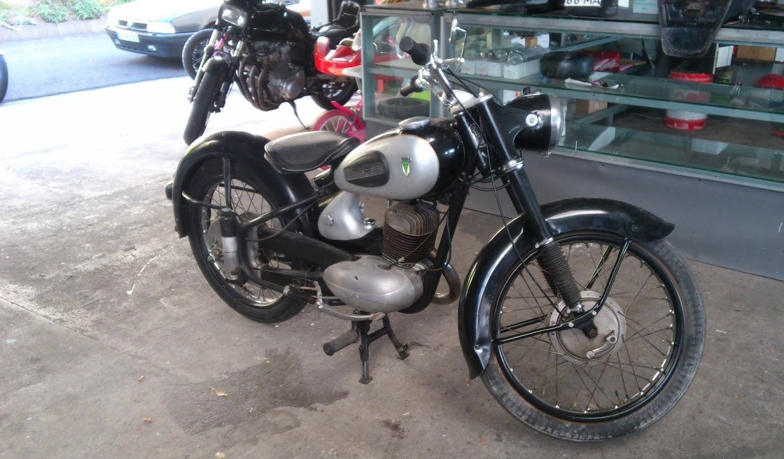 motosport oficina especializada em motos restauro auto union dkw rt 175cc 1955. Black Bedroom Furniture Sets. Home Design Ideas