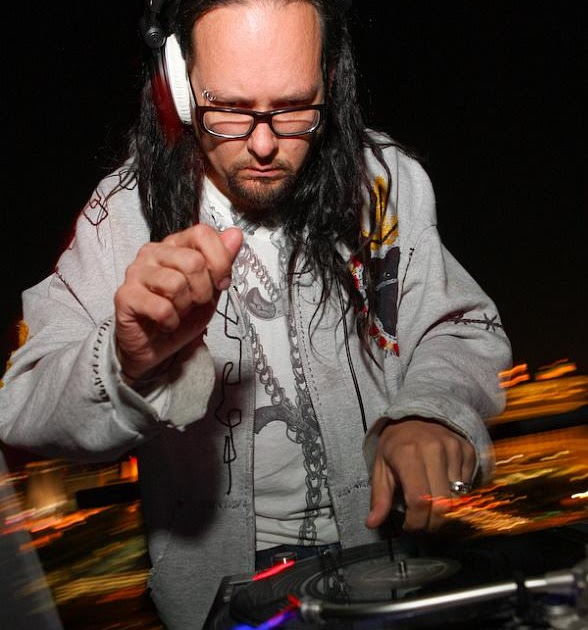 M Rock Radio: Korn's Jonathan Davis to Release Electronic ...  M Rock Radio: K...