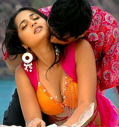 Hot sexy images of anushka