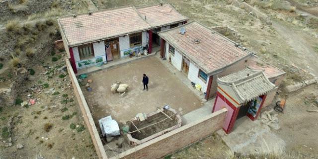Kisah Nyata Desa yang Cuma Dihuni 1 Orang