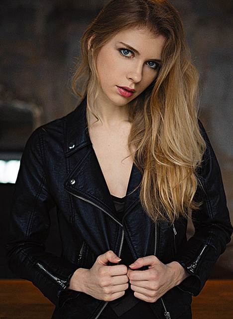 Artis, Wanita Model Rambut Blonde / Pirang Tercantik