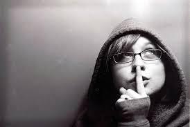 कम बोलना हमारे जीवन के लिए और हमारे । कम बोलने से हमारा व्यक्तित्व अच्छा होता है