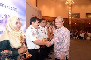 15  UPT Hubla Raih Penghargaan Pelayanan Prima