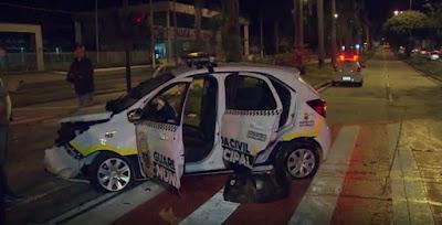 Viatura da Guarda Civil de BH (MG) se envolve em acidente na Avenida Antônio Carlos