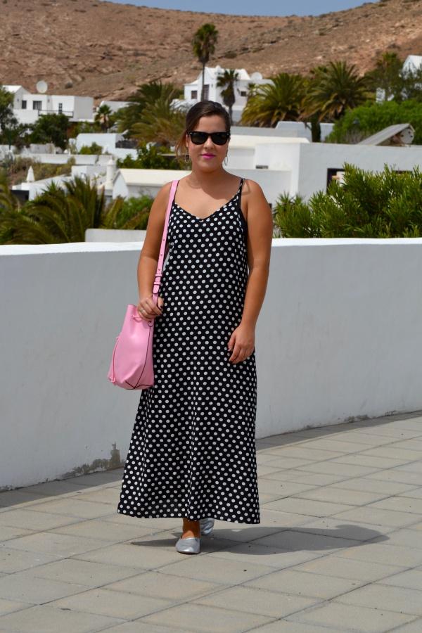 dresslily_review_summer_dresses_vestido_lunares_look_bolso_rosa_lolalolailo_03