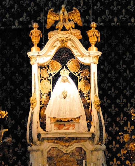 Nossa Senhora de Puy-en-Velay, França