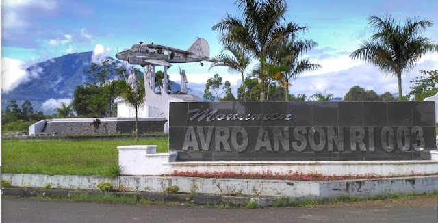 Monumen Avro Anson