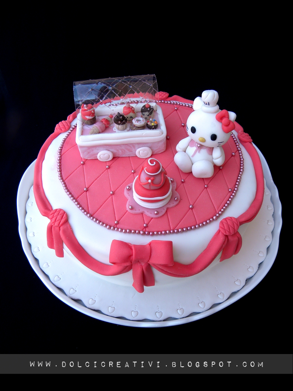 Torta Effetto Trapunta Tutorial.Torta Hello Kitty Candy Shop Lamponilla It Torte Cakes