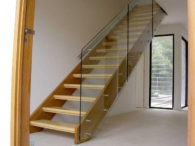 Cầu thang kính - mẫu số 1