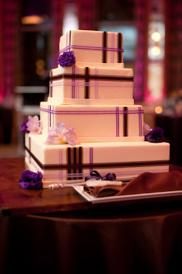 Wedding Cakes Pictures Elegant Square Wedding Cake With
