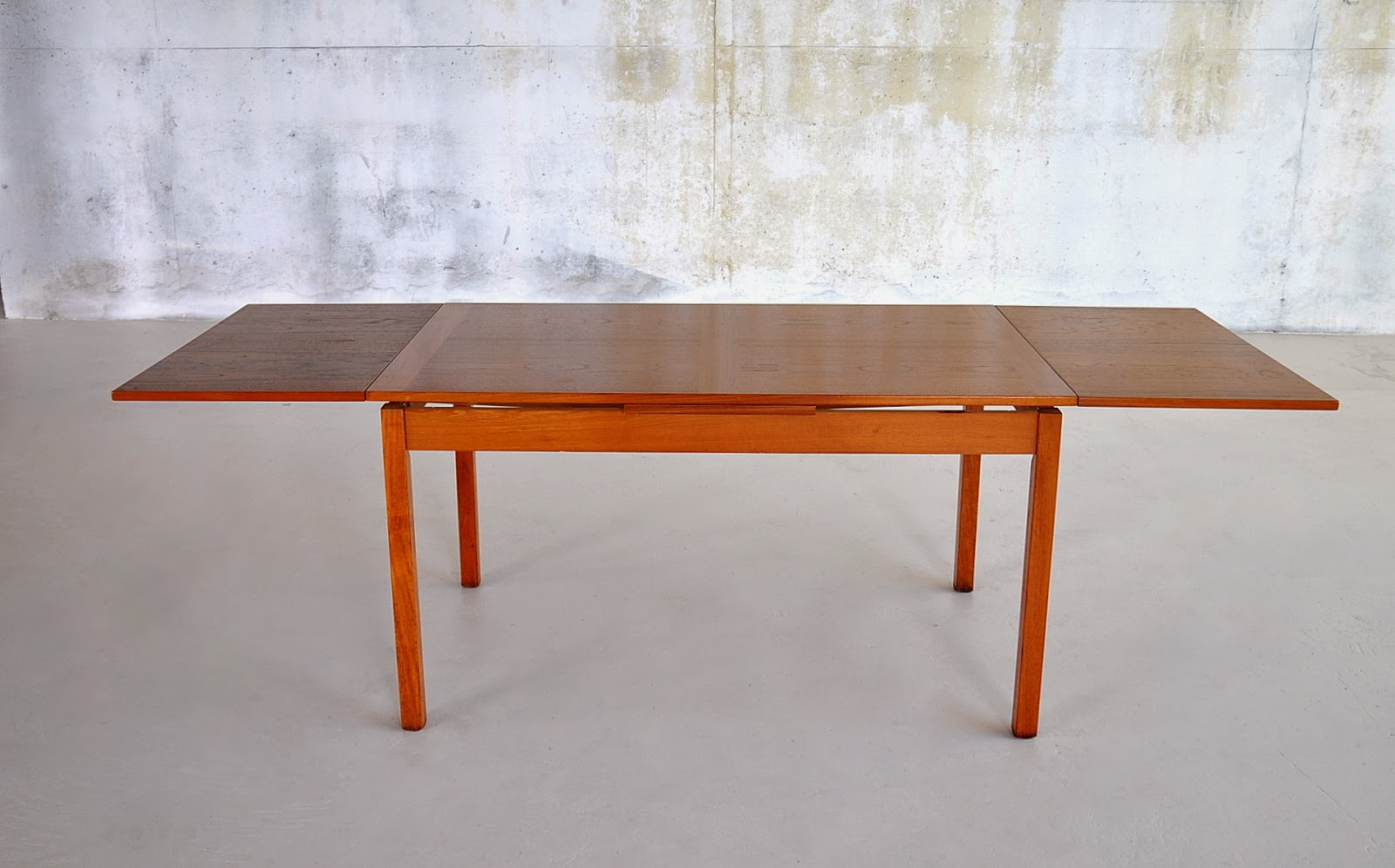Select Modern Danish Modern Teak Expandable Dining Room Table