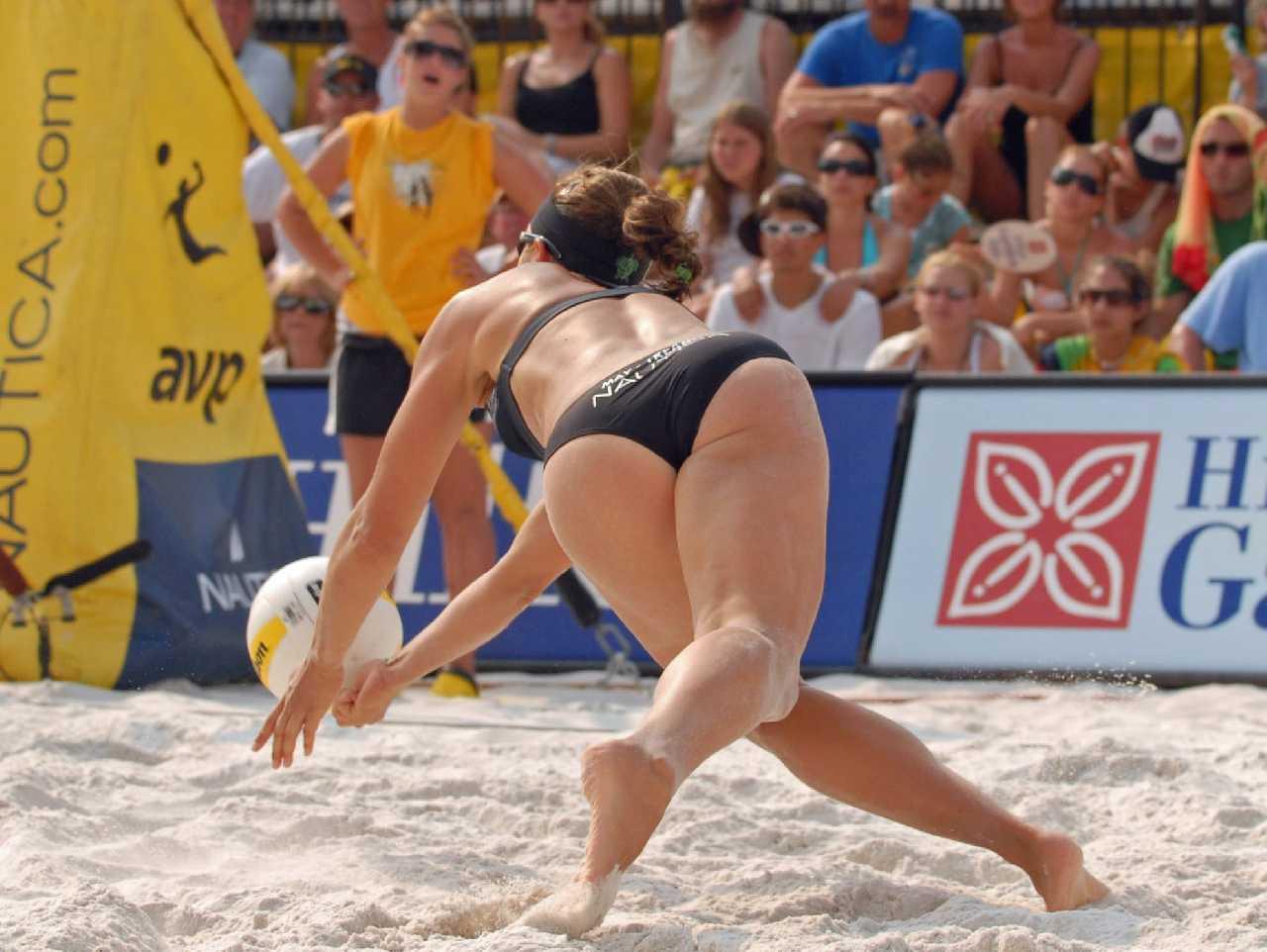 засветы девушек во время пляжного волейбола грань