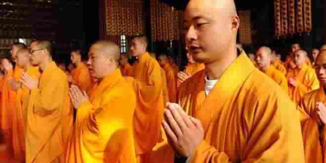 راهب يتهم باستغلال راهبات جنسيا