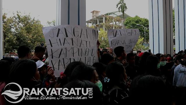 Amankan Unjuk Rasa, Kapolres Tana Toraja Dilempar oleh Massa di Depan PN Makale