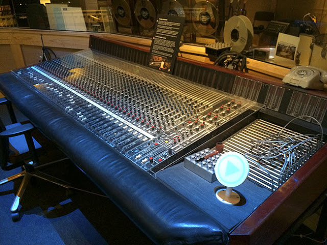 Harrison 4032 Mixing Console