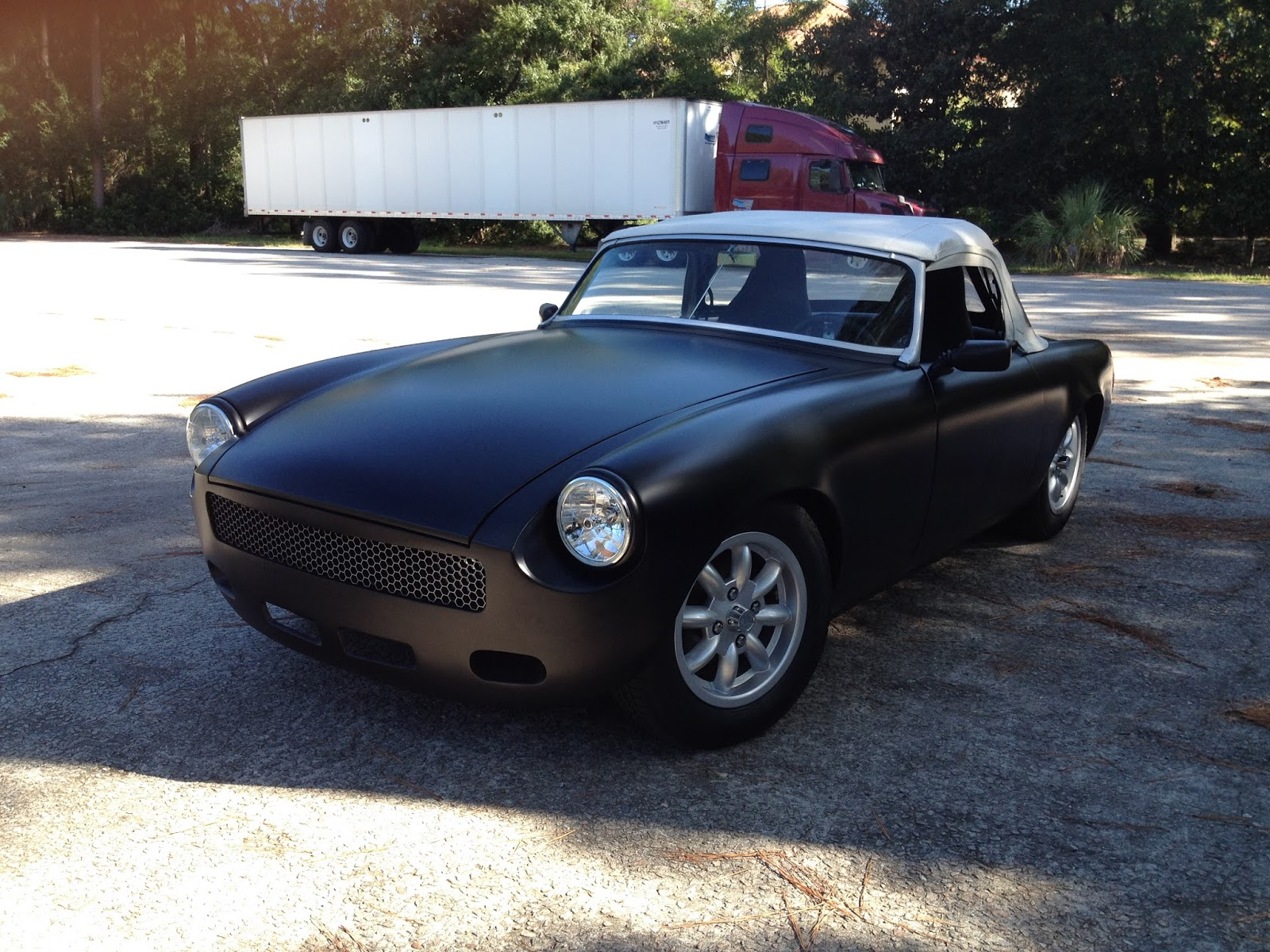 TOMMY'S TOPLESS CARS CLASSIFIED: 1971 MGB