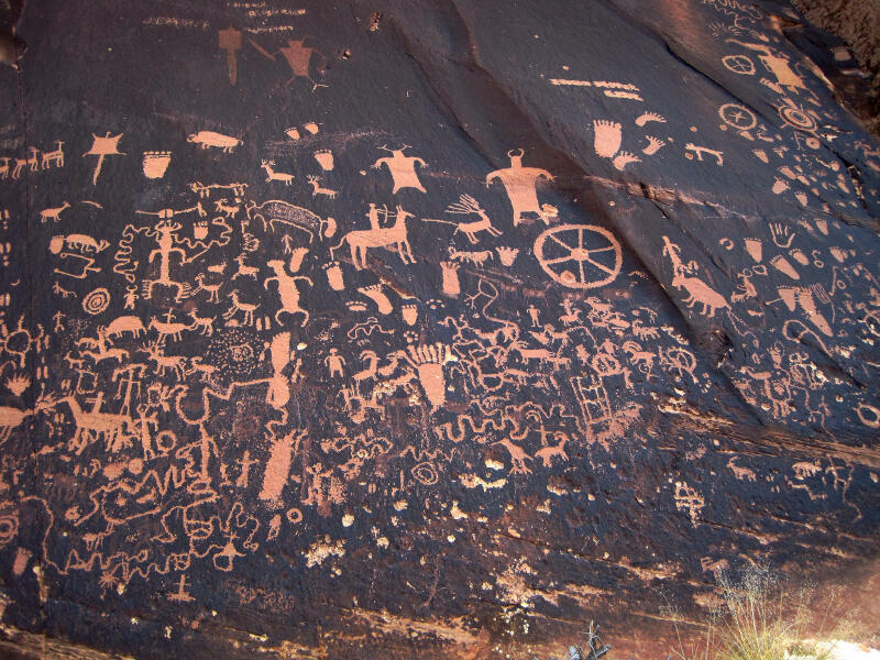 Newpaper Rock, Surat Kabar Tertua Yang Ditulis Diatas Batu