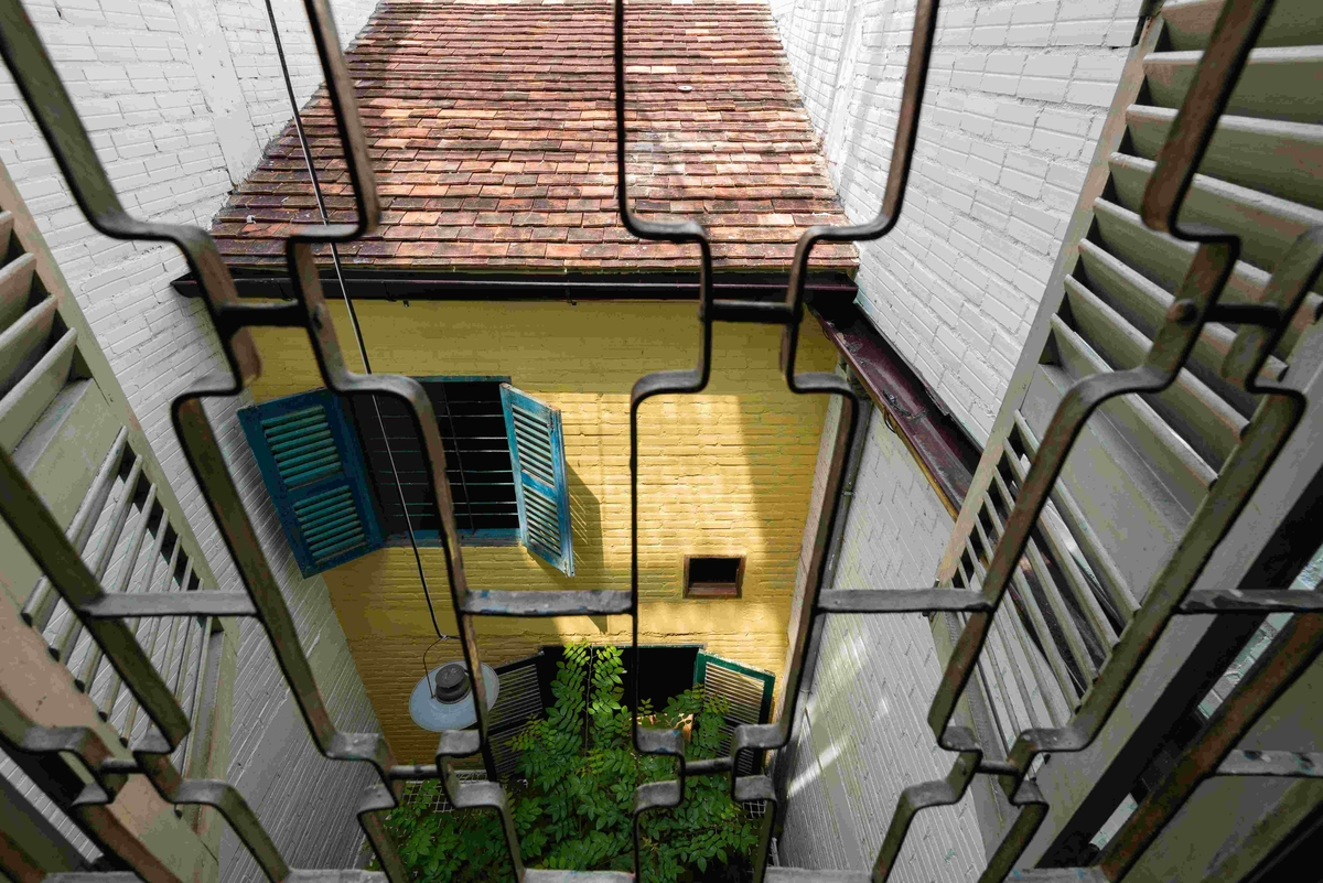 09-a21Studio-A-Home-Where-the-Rooms-Look-Like-a-small-Village-www-designstack-co