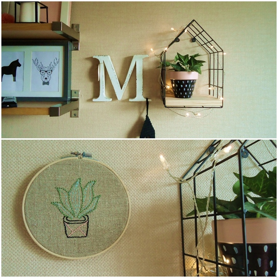 haftowany obrazek z tamborku, druciana półka