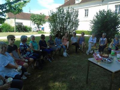 https://www.lyonne.fr/saint-georges-sur-baulche/2018/07/11/les-amis-de-la-bibliotheque-rassembles-mercredi_12919808.html