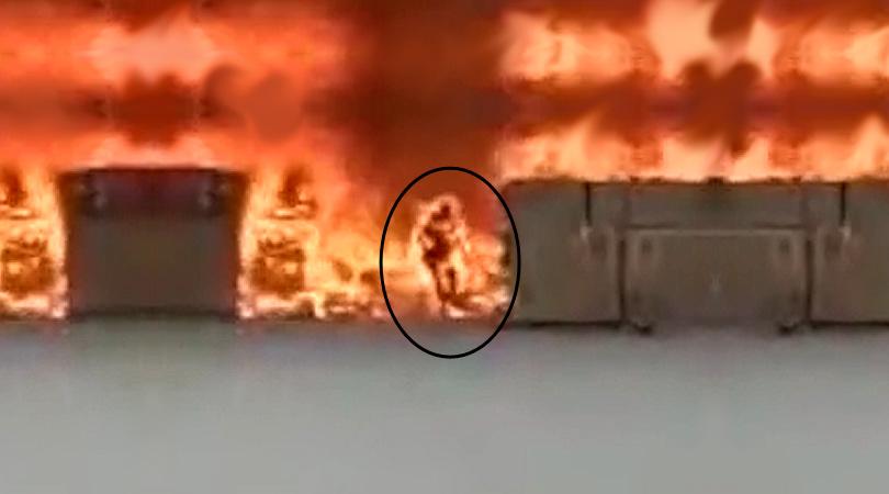 Μπήκε στη Φωτιά για να Σώσει το Κινητό του Τηλέφωνο