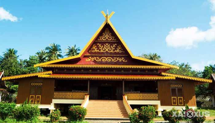 Gambar rumah adat Indonesia - Rumah adat Riau atau Rumah Selaso Jatuh Kembar