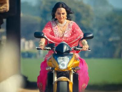 Sonakshi Dhoom bike son of sardar