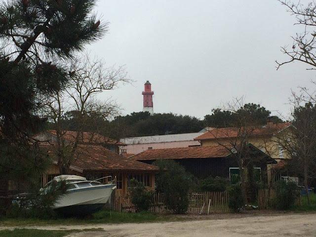 Faro de Cap Ferret desde su puerto ostrícola | caravaneros.com