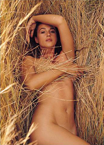 Hot girls Monica Bellucci nude Italian model & actress 7