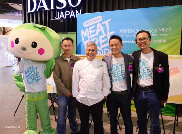 Owners, VVIPs and Chef Wan at the launch of BMS Organics in Midvalley Megamall