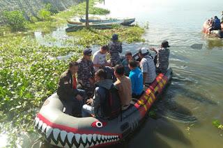 """Saat TNI AL """"Perangi"""" Enceng Gondok di Danau Limboto"""