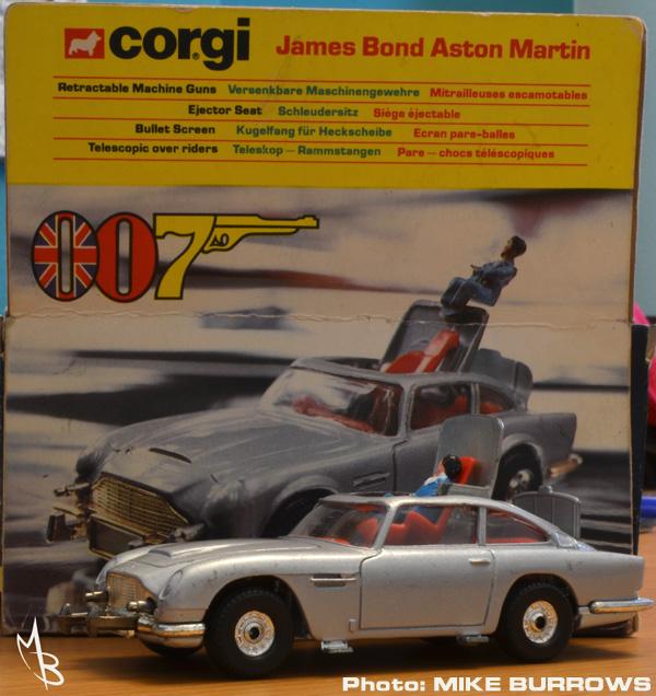 MOONBASE CENTRAL: THE CORGI 271 JAMES BOND ASTON MARTIN DB5