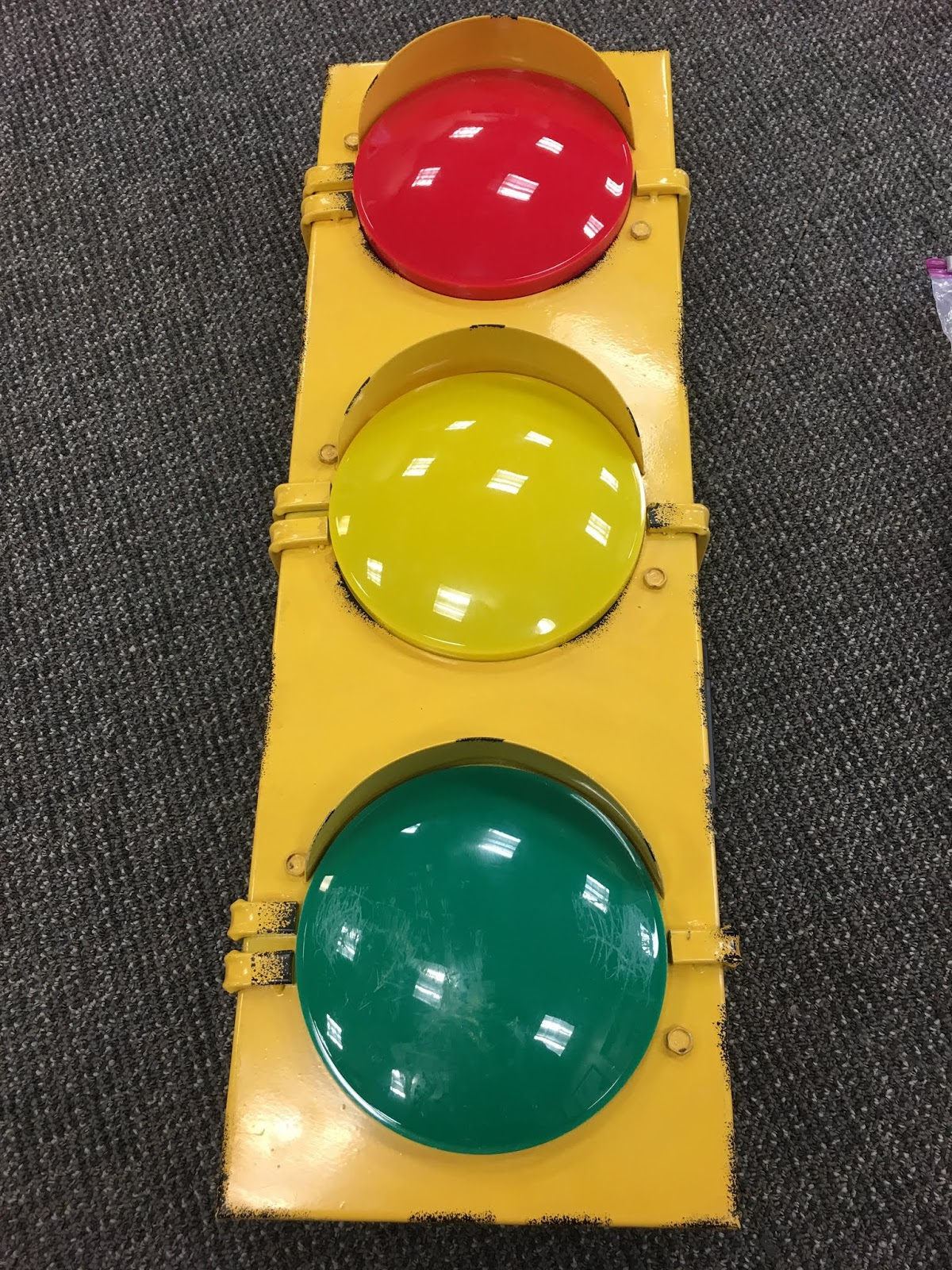 a photo of the toy street light from the kit