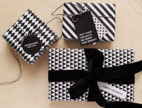 Christmas gift wrapping - elegant black and white with diamond shape