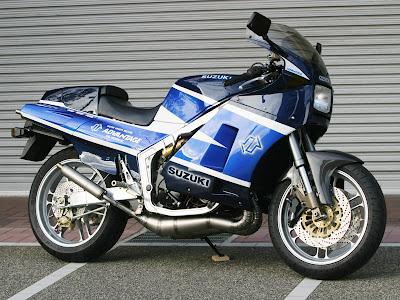 Racing Cafè: Suzuki RG 500 Γ by Advantage