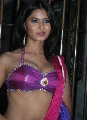 Hindi Serial Actress Divya Dwivedi Hot Navel Show Stills In Saree