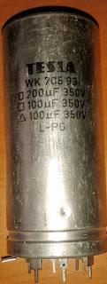 Elektrolytický filtračný kondenzátor