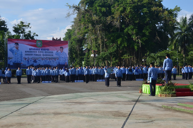 H. Mochamad Nur Arifin Pimpin Upacara Korpri Perdana Sebagai Plt. Bupati Trenggalek