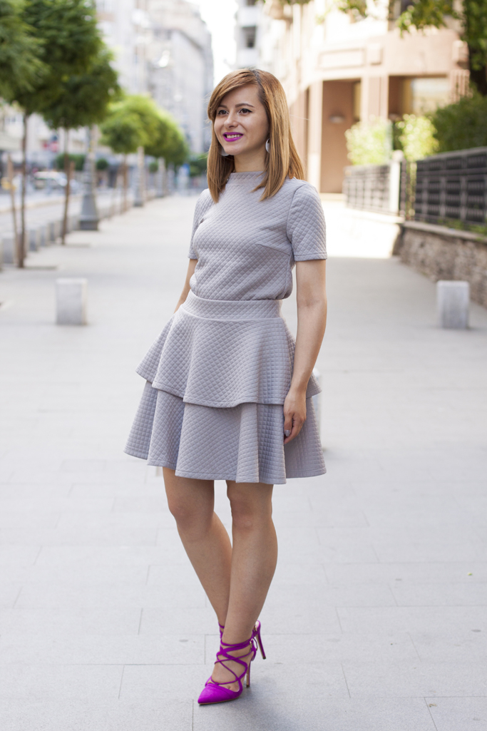 how to wear the grey two piece set