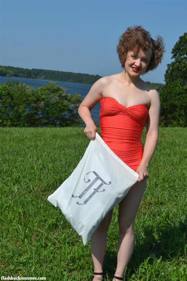 Flashback Summer: vintage swimsuit fashion, Temple Towels