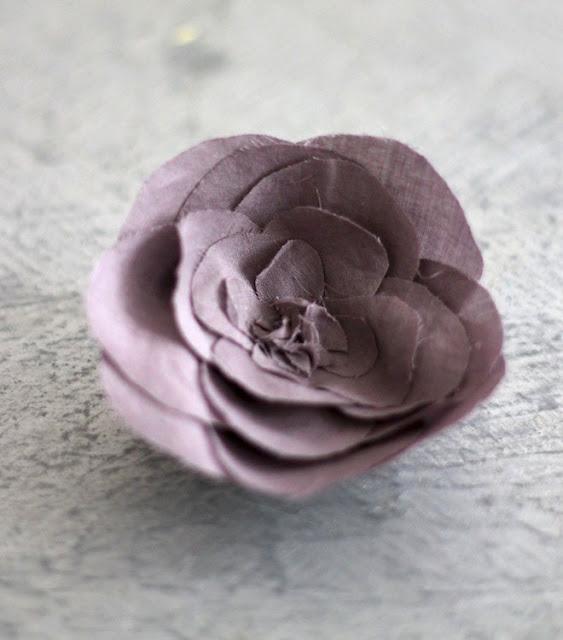 diy fleur en tissu simplette. Black Bedroom Furniture Sets. Home Design Ideas