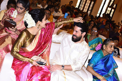 shruti-haasan-michael-corsale-kamal-haasan-aadhav-kannadasan-vinodhnie-wedding