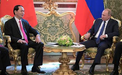 Vladimir Putin, President of Vietnam Tran Dai Quang.