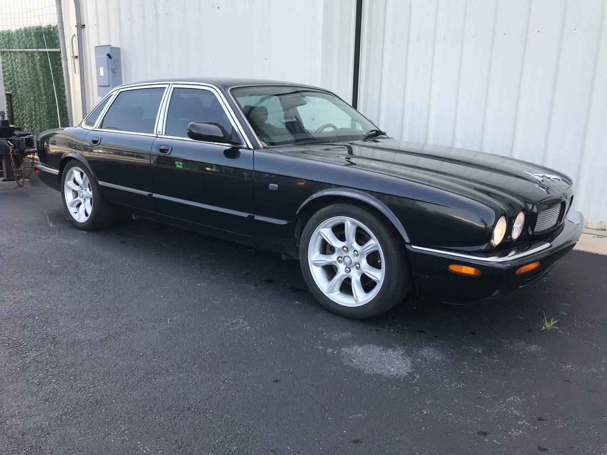 Lotta Beef For The Coin 2003 Jaguar Xjr Dailyturismo