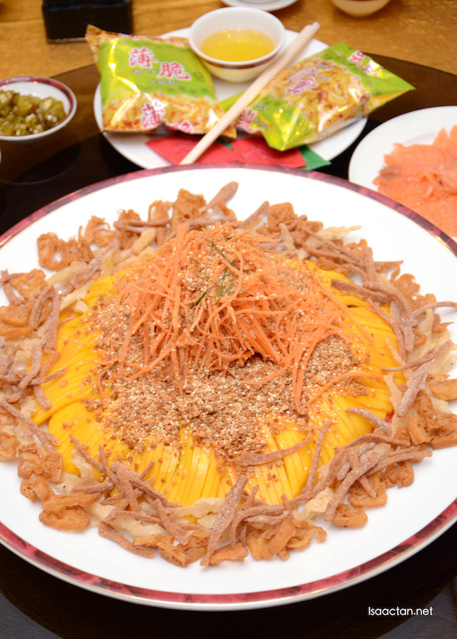 Golden Prosperity Yee Sang