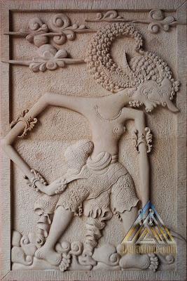 relief batu paras jogja / batu putih motif wayang werkudara